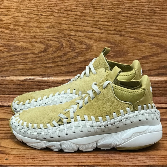 huge selection of dca70 1b633 Nike Air Footscape Woven Chukka QS FLT Gold Shoes